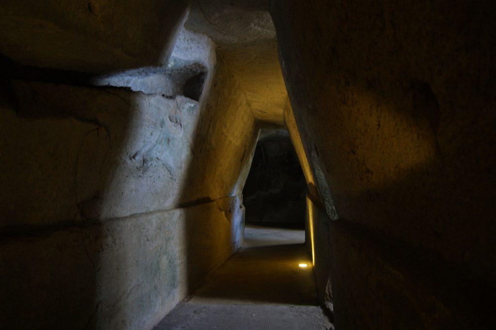 De grot van de Sybille in Cuma, foto: Maarten Slagboom